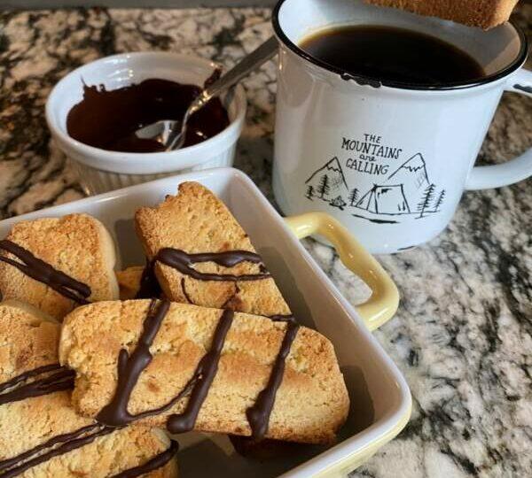 January Coffee Obsession Part 3: Vanilla Mocha Biscotti