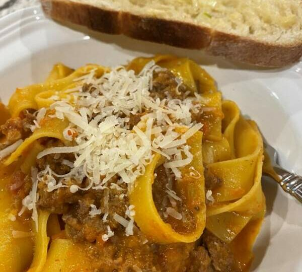 Sundays in the Kitchen−BA's Best Bolognese